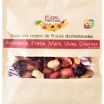 Snack con fruta deshidratada frutos rojos