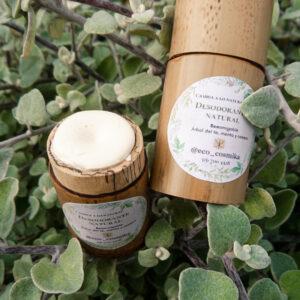 desodorante natural en envase biodegradable de bambú