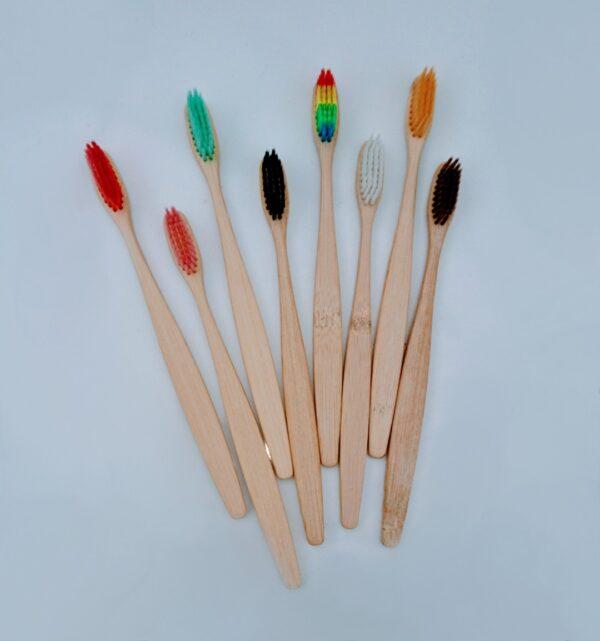 cepillo de bambú